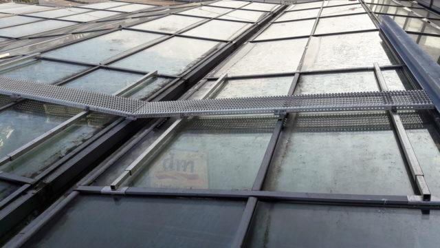 Laufsteg Glasdach HBF Berlin